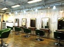 アグ ヘアー モス 中央林間店(Agu hair moss by alice)の雰囲気(ゆったり寛げる空間。家にいるようにRelax。)