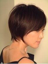 ケーアンドケーオリジナルヘアー(K&K original hair)スタイリッシュに甘さと辛さ。多彩な表情が魅力のボブスタイル