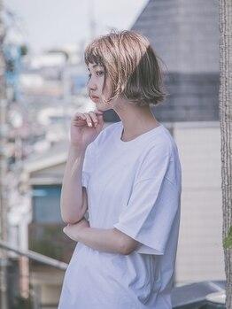 ピーキー(PEAKY)の写真/透明感を残した上品な暗髪が大人気☆お洒落な抜け感を演出出来る理想の流行カラーをピンポイントで再現。