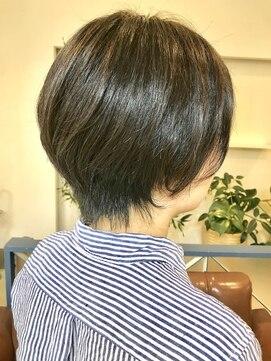 ヘアアンドメイクフリッシュ(HAIR&MAKE FRISCH)束感ショート