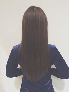シャルムジャパン(shallm JAPAN)の写真/ファッションカラーのように楽しむ白髪染め♪頭皮に優しい厳選薬剤で、しっかり馴染む上品な髪色を実現。