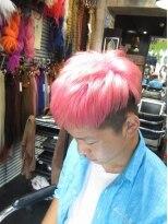 ブリーチのBIGBANG(ビッグバン)風髪型、ピンクツーブロックヘアー。画像