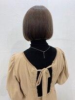キラ 原宿 表参道(KILLA)【山下未紗】小顔 オリーブカラー 切りっぱなし 濡れ髪 ボブ