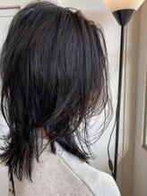 ヘアーエポック(hair epoque)ナチュラルレイヤー小顔カットくすみカラー切りっぱなし20代30代