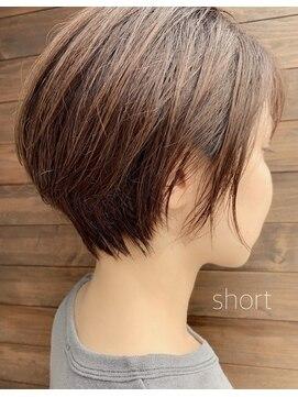 クブヘアー(kubu hair)丸みショート