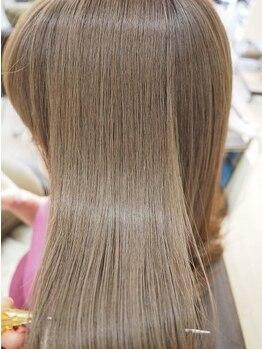 """リリーズ ヘア(Lily's Hair)の写真/【カラーも""""炭酸泉""""付☆】抜群の透明感・絶妙な甘さを演出♪似合わせ最旬カラーでイメージチェンジ!"""