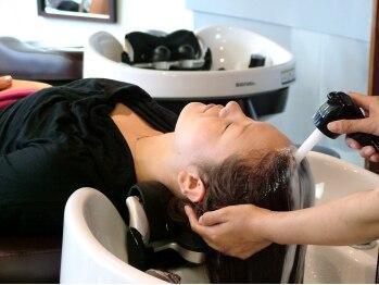 アブリコ(ABRICOT)の写真/リピーター続出【癒しのヘッドスパ付カット¥5400】こだわりのリラックスメニューで髪と頭皮、心にも癒し♪