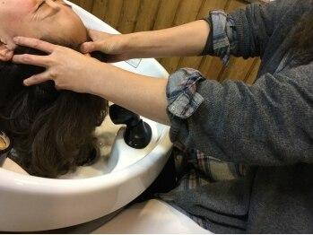 ヘアースタジオ ハナコ(Hair Studio HA NA KO)の写真/素髪から美しくなれる至福のヘッドスパ♪心地の良いマッサージで、身も心も癒される本格的な頭皮ケアを!