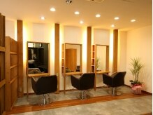 ヘアオアシスカシェット(HAIR OASIS Cachette)の雰囲気(優しい光の店内。少人数制プライベート空間。)