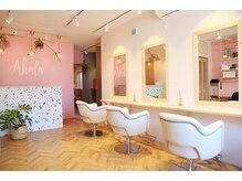 アカラ 桜新町(Akala)の雰囲気(ピンクの壁が一番のポイント!!!インスタ映え間違いなし♪)