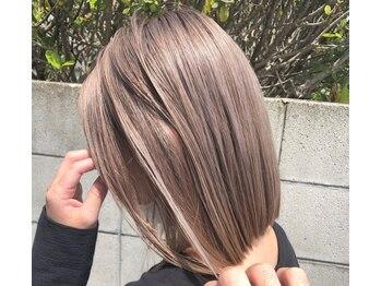 リベルタエルプラス(LIBERTA L+)の写真/《ハイライト、ブリーチ、インナーカラーが人気♪》Aujuaトリートメントと合わせてうるツヤな髪色に☆