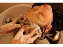 ベニ(BENI)の雰囲気(自慢のヘッドスパ。高濃度酸素シャワーで至福のひとときを・・)