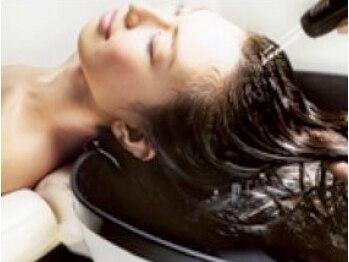 ヘア サパン(hair sapin)の写真/hair sapinのヘッドスパは吹抜け2階のプライベート空間で☆新発想のオリジナルスパでまとまりやすさ格別!