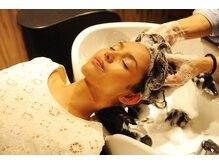 ヘアーリゾート ライフ(Hair Resort LIFE)の雰囲気(最高級ソファベッド型シャンプー台でのリゾートSpaで癒される)