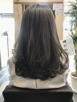 ヘアーガーデンロルド(hair garden Rold)甘さと重さがベストのバランス。ふんわりカールで癒し系♪