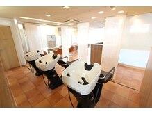 ヘアカラーカフェ 神戸六甲店 (HAIR COLOR CAFE)の雰囲気(シャンプーブースも寛ぎの空間に)
