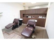 美容室 カノン(Kanon)の雰囲気(ベットタイプのシャンプー台で、身体の負担も少なく癒されます。)