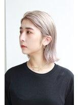 チカシツ(Chikashitsu)white blonde ennui bob