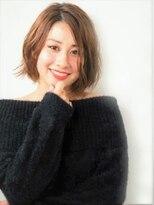 ヘアメイクエシェル 野々市店(Hair Make e‐shell)ウエットな質感でつくるミディアムスタイル