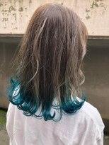 ヘア プロデュース キュオン(hair produce CUEON.)裾カラー × ターコイズブルー