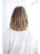 シュシュット(chouchoute)小顔セミウェットウェーブハイライトカラー美髪オリーブカラー75
