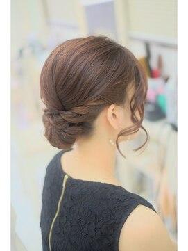 リサ 恵比寿(risa.)髪が短くてもできます!アップスタイル
