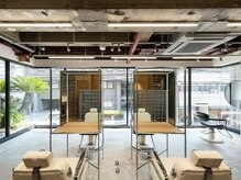 パプレプラスリム(PAPRE+LIM)の雰囲気(解放感あふれるデザイン空間で、ゆっくりしていただけます。)