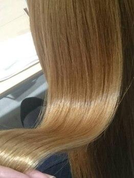 ヘアメイク アージュ 下大利店(HAIR MAKE age)の写真/人気の≪Aujua≫使用!髪質改善・美髪革命がモットーの人気ケアで、ダメージ知らずの美髪に♪