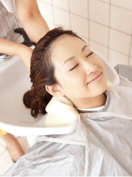 ティージェー天気予報 パートナイン 末広店(TJ Part9)の写真/末広店◆話題の『炭酸』がシャンプー台で体験していただけます♪頭皮や髪についた汚れもキレイさっぱり!!