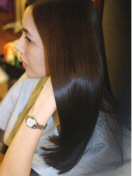 パラン 田無店(PaLaN)の写真/弱酸性薬剤で肌に優しく理想のサラ艶髪へ導きます◎PaLaNオリジナルのトリートメントでハリ/コシ/ツヤUP♪