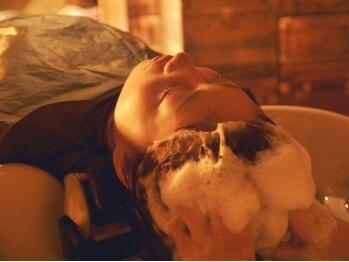 アイニティ(Inity)の写真/[心斎橋2分]女性スパニスト担当♪『Aujuaスパ』や新登場[水素スパ]で髪と頭皮の潤い/ハリコシ/ツヤ感UP★