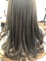 ヘアー チクタク(Hair Ciku-taku)アッシュ×上品巻き髪