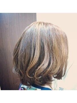 ヘアー クリエイション(Hair Creation)前上がりグラデーションスタイル