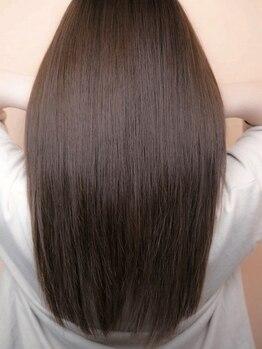 デザイン フォー ヘアー グランツ プロデュース バイ ヒス(Design for hair GRAnt'z)の写真/【高品質トリートメントAujua取扱い◎】美しい髪は内側から!気になるダメージヘアを内側から徹底修復!