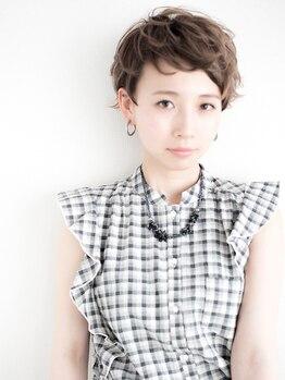 イエリ(ieri)の写真/外国の女の子のようなカッコよさに、女性らしい曲線をmixしてラフに仕上げるのがieri流。