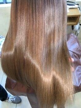 81+1の写真/≪7/4 NEWOPEN≫頭皮から毛先まで徹底ケア。水素と炭酸の力で、髪の内部まで栄養と潤いが行き届く―