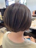 アッシュ アーティスティック スタジオ オブ ヘア(Ash artistic studio of hair)ハイライト×ローライト×インナーカラー