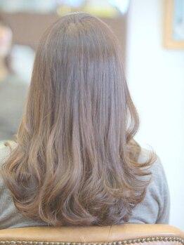 ジョナ(Jona)の写真/実力派スタイリストが一人ひとりのカウンセリングにしっかりと時間をかけ、髪の悩みを解決に導きます♪