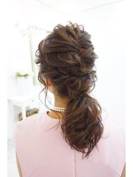 ヘアアンドメイクジップ恵比寿 (Hair&Make ZIP)クシュクシュローポニー