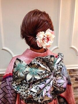 振袖髪型(成人式&結婚式) セットサロン エース Set salon Ace卒業式・振袖和装シニヨンアップ