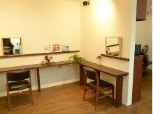 ソラヘアー(SORA HAIR)の雰囲気(新しくできた待合室では、ゆっくりとお過ごしいただけます。)
