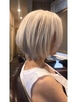 大人カラー・白髪染め・ホワイトブリーチ・60代女性のヘアカラー