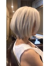 ボニークチュール(BONNY COUTURE)大人カラー・白髪染め・ホワイトブリーチ・60代女性のヘアカラー