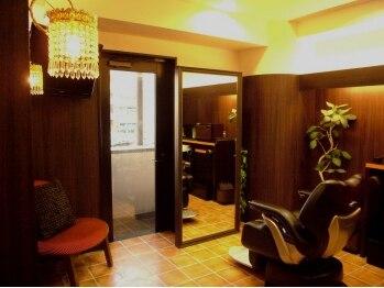 ヘアアンドスパ バースデイ(Private Salon HAIR&Spa BiRTHDAY)の写真/フルフラットのYUMEシャン&個室で落ち着いた雰囲気が大人気♪本物志向の女性が通うHair&Spa BiRTHDAY。
