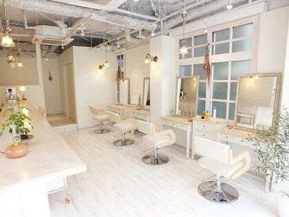 ヘアーアンドメイクキュアー アトリエ(hair&make cure atelier)の写真