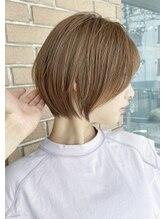 《*大人女性へのご提案*》上品なショートスタイルと、白髪を活かせる脱白髪染めハイライト*髪質改善も◎*