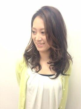 ジェム デザイン ヘアサロン(gem Design Hair Salon)ゆるロングスタイル