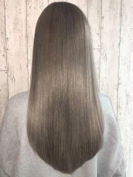 アンク クロス 新宿店(ANKHCROSS)の写真/アンクの縮毛矯正は違和感のないナチュラルストレート!扱いにくい髪にツヤが戻り朝のスタイリングも簡単♪