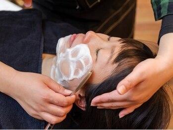 ネオバーバースタイルパラディソ(NeoBarberStylePARADISO)の写真/話題のレディースシェービングも受付中◎女性スタイリストが担当で安心♪ワントーン明るいツヤ肌へ…*