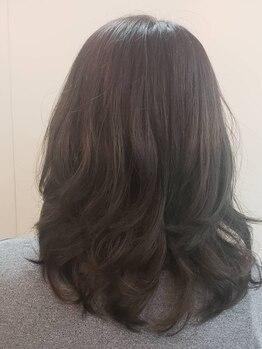 カット&エスティ カミキリ 髪綺里の写真/【30代からの大人女性におススメ】髪のダメージ、クセなど年齢と共に気になる髪のお悩み、お任せください!